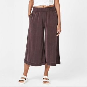 Sweaty Betty | Peaceful Culottes Black Cherry